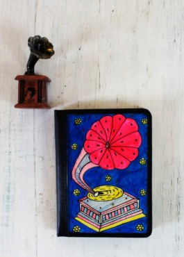 PASSPORT COVER – GRAMOPHONE